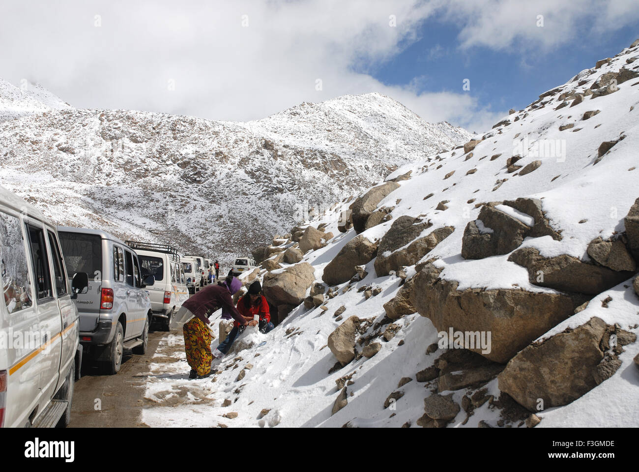 Changla snow pass at17;800 ft. altitude at Leh ; Ladakh ; Jammu & Kashmir ; India - Stock Image