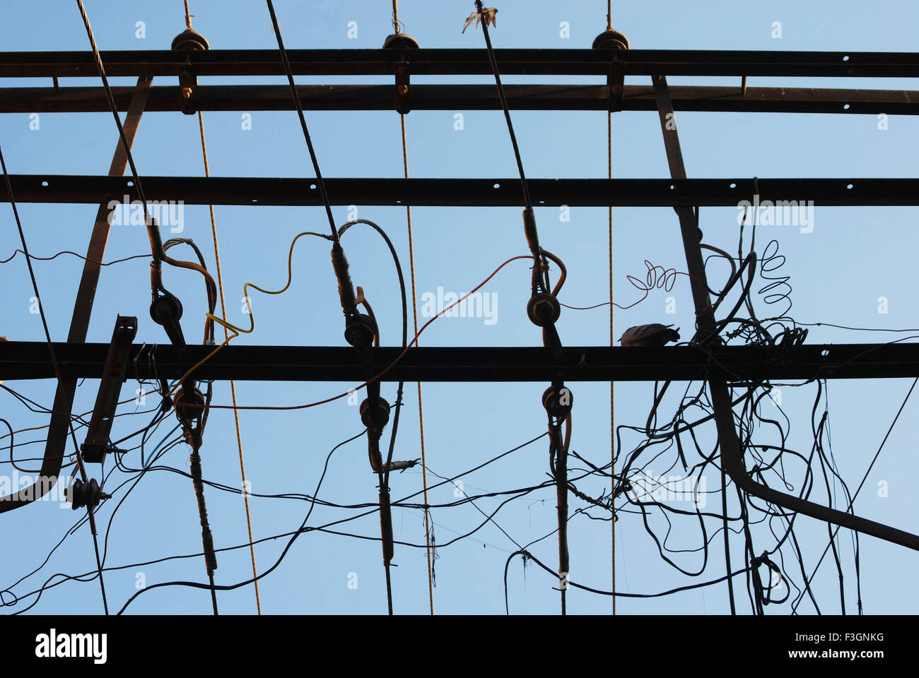 Jumble Of Wires Stock Photos & Jumble Of Wires Stock Images - Alamy