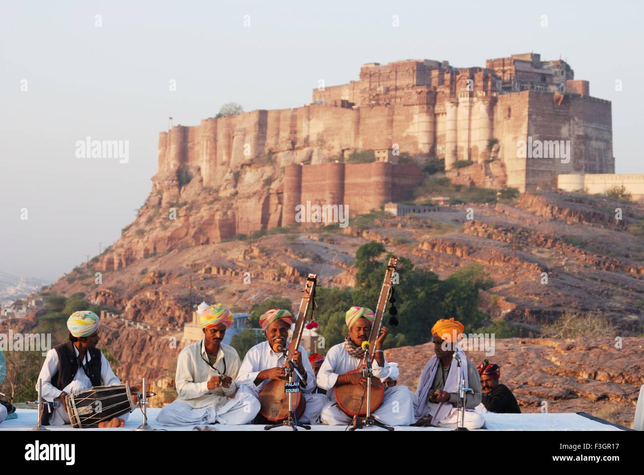 Folk music back drop Mehrangarh fort ; Jodhpur ; Rajasthan ; India - Stock Image