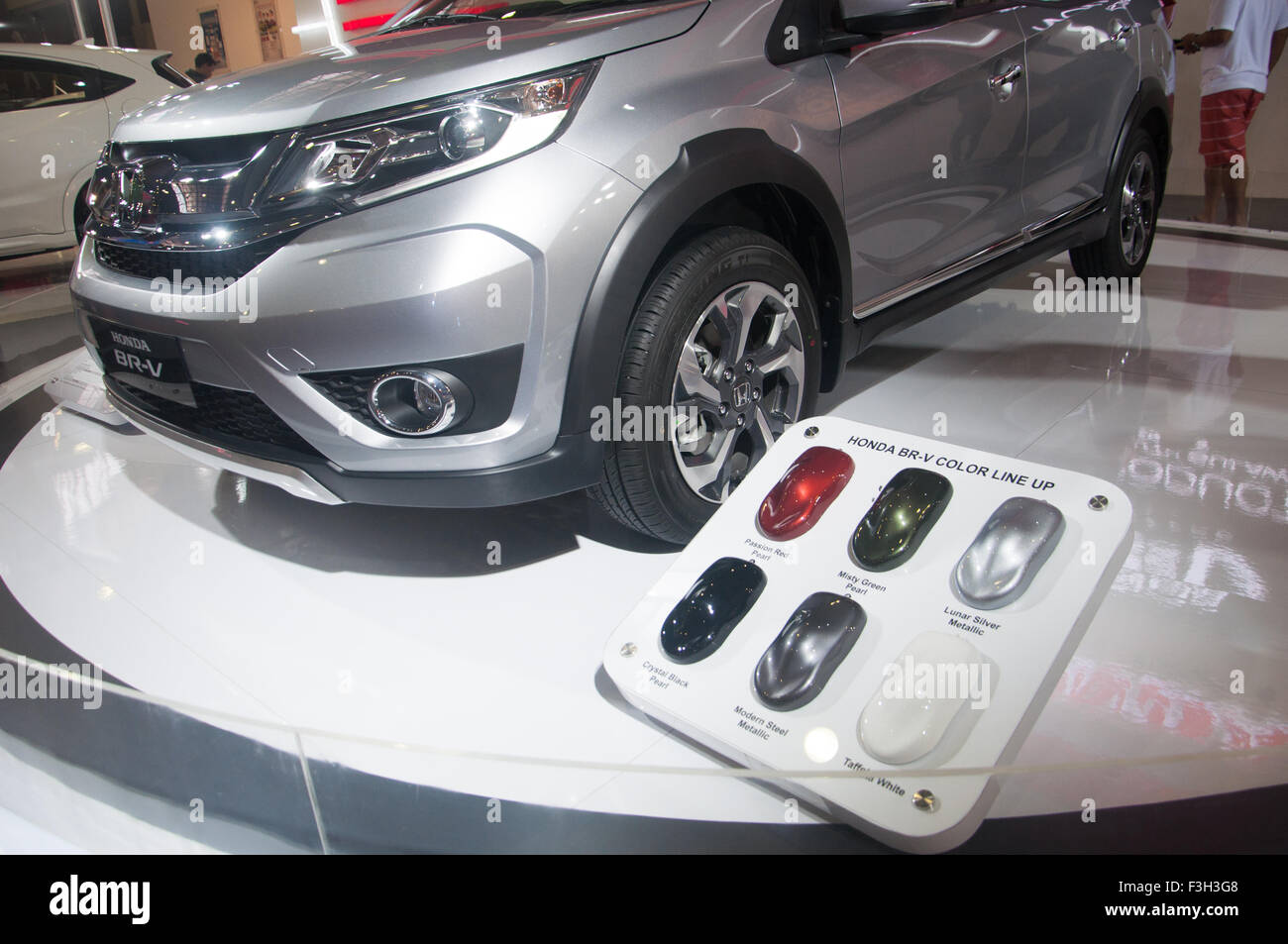 Makassar Indonesia 07th Oct 2015 Honda Exhibits BR V At Automotive Expo In On October 7 Although Number Of Sales