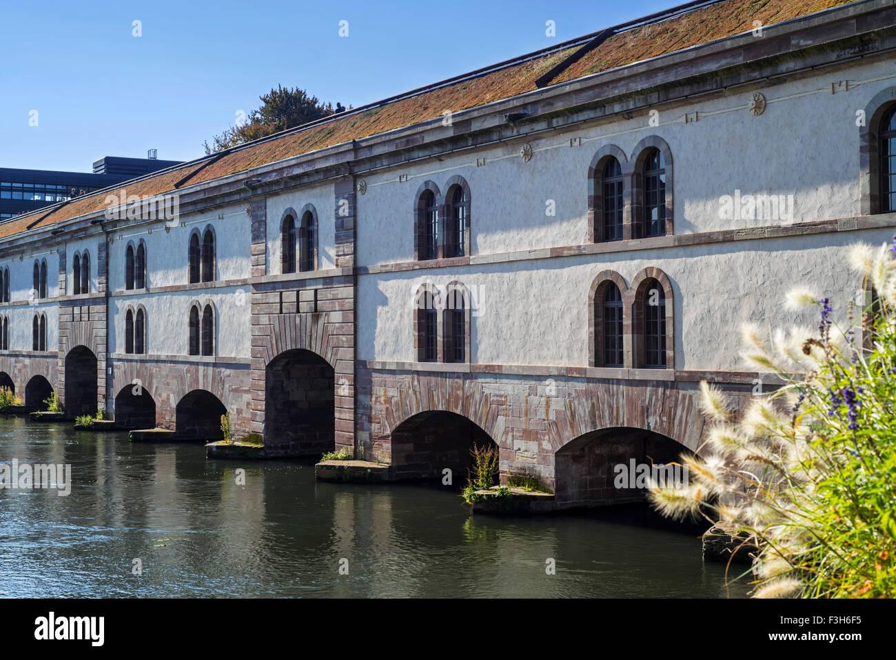 The Barrage Vauban / Vauban Dam over the River Ill at Strasbourg, Alsace, France - Stock Image