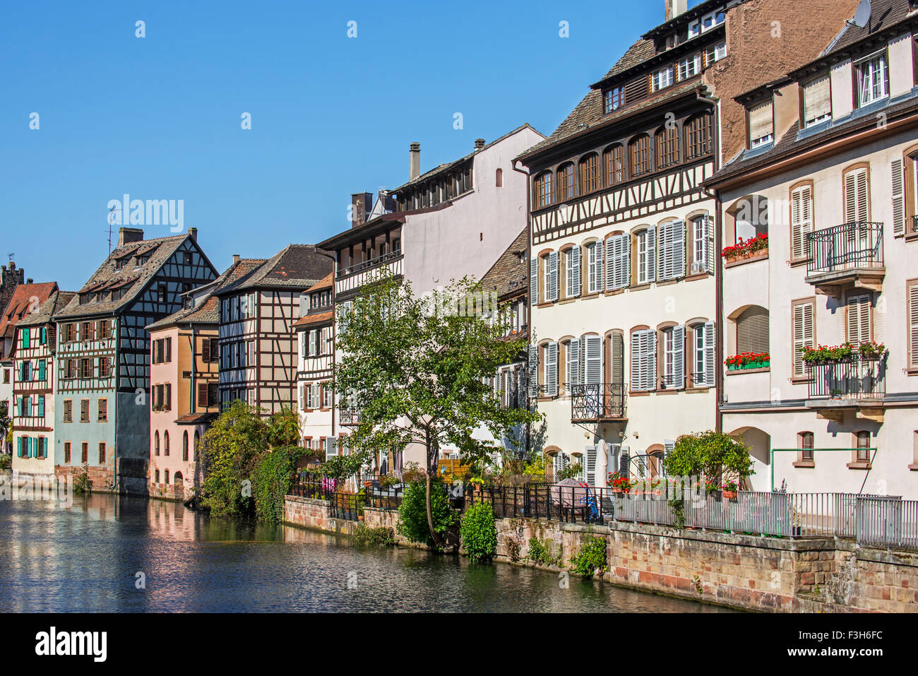 Half-timbered houses along the River Ill in the Petite France quarter of the city Strasbourg, Alsace, France - Stock Image