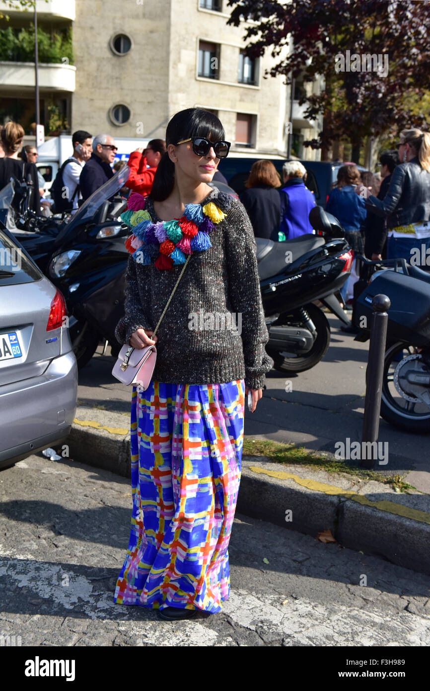 Blogger Laura Comolli posing outside of the Celine runway show during Paris Fashion Week - Oct 4, 2015 - Photo: - Stock Image