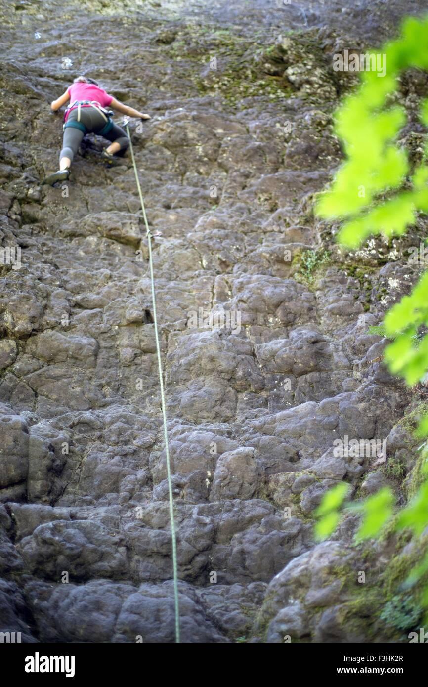 Woman rock climbing, French's Dome, Zig Zag, Oregon, USA - Stock Image