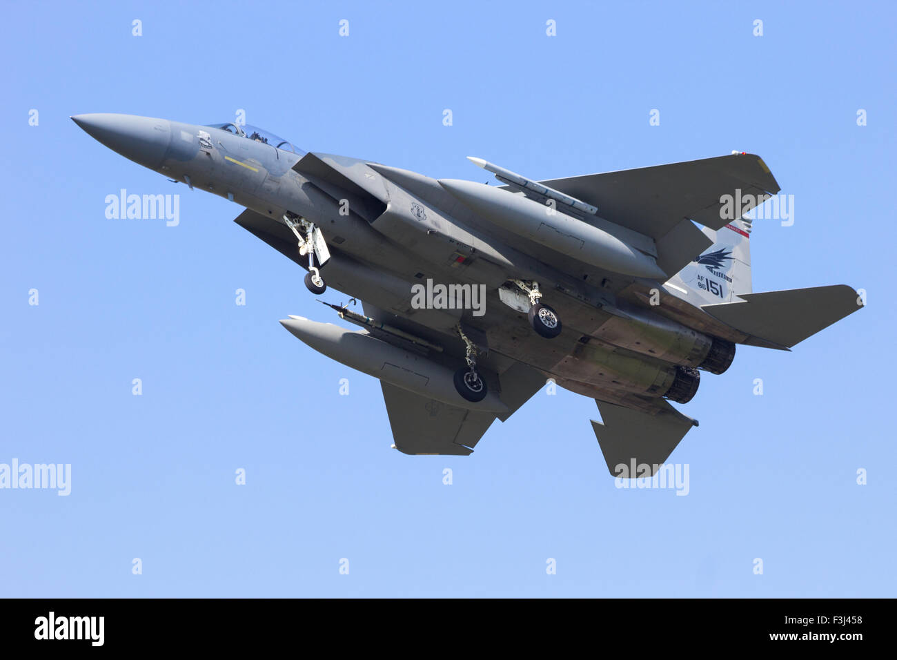 US Air Force F-15 Eagle landing - Stock Image