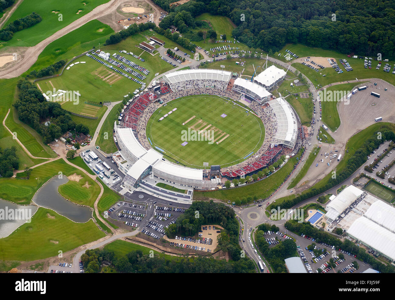The Rose Bowl ( Ageus Bowl ) Southampton, Southern England, with crowds gathering for a 1 day international - Stock Image