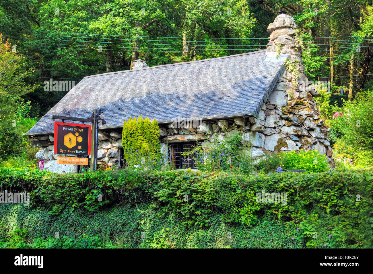 Ty Hyll, The Ugly House, Betws-y-coed, Wales, United Kingdom - Stock Image
