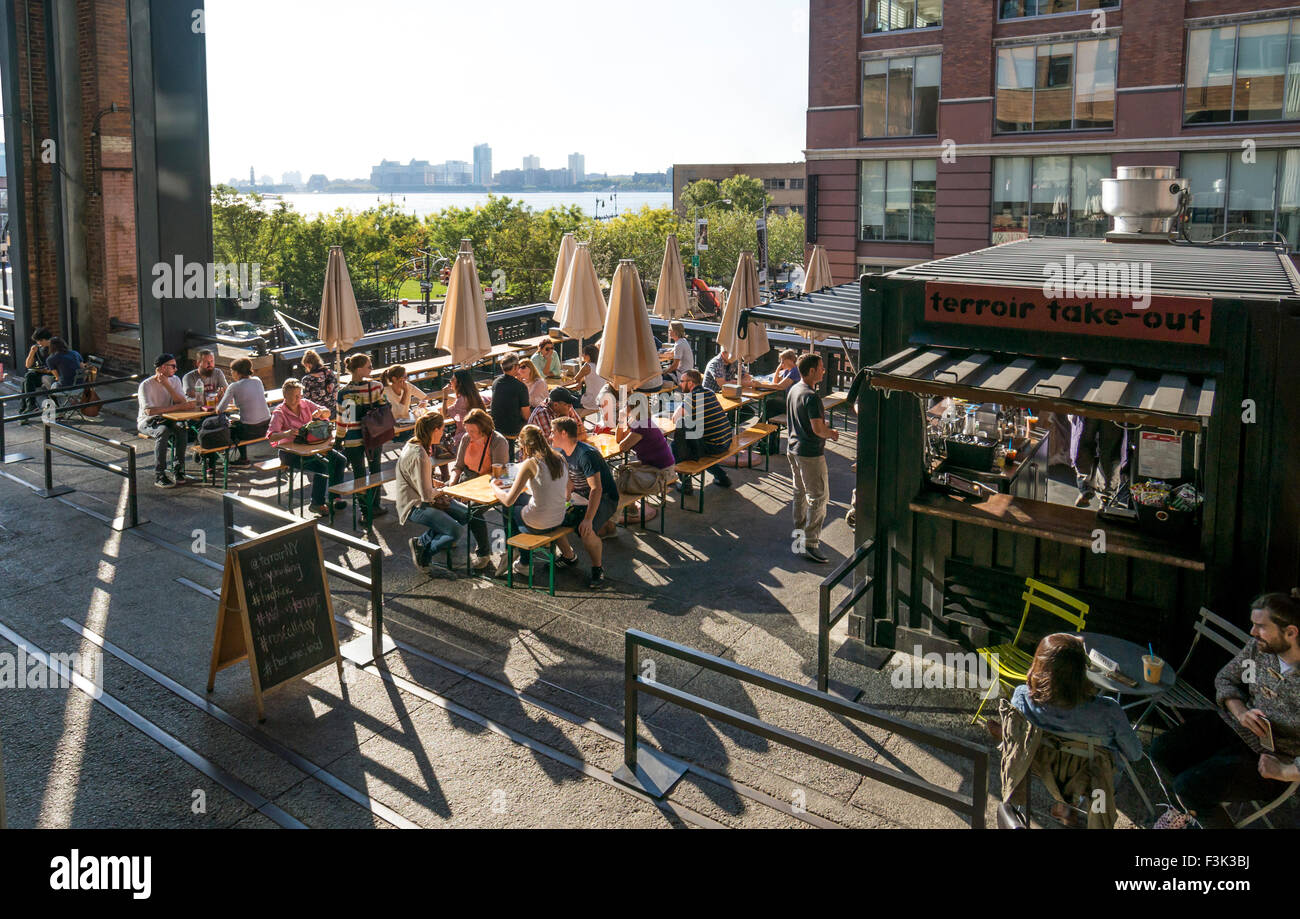 Terroir at the Porch on the High Line in New York City - Stock Image
