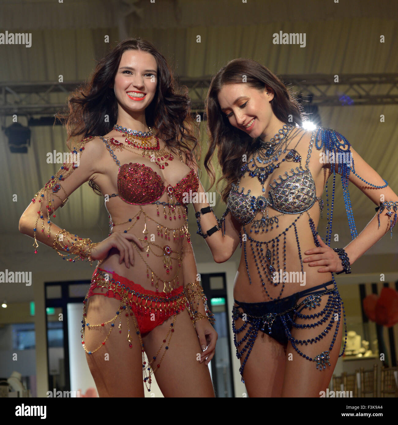 Ngee Ann City. 8th Oct, 2015. Two models present the Mouwad-designed Victoria's Secret Dream Angels Fantasy - Stock Image