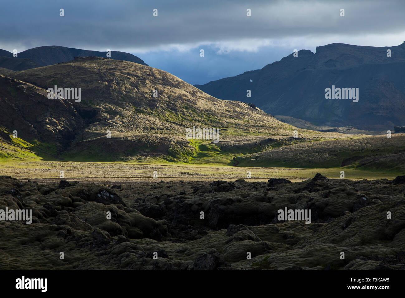 Volcanic mountain landscape near Hveragerdi, Sudherland, Iceland. - Stock Image