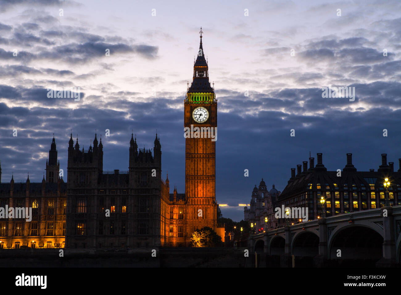 A view of the Houses of Parliament and Westminster Bridge in London. - Stock Image