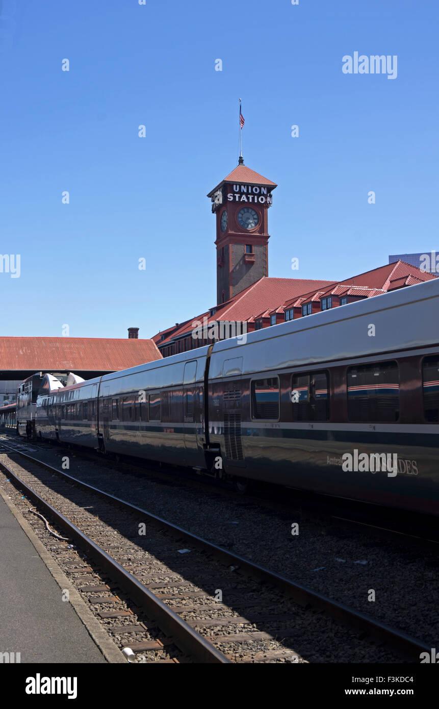 Amtrak Coast Starlight Stops At Union Station Portland Oregon Stock