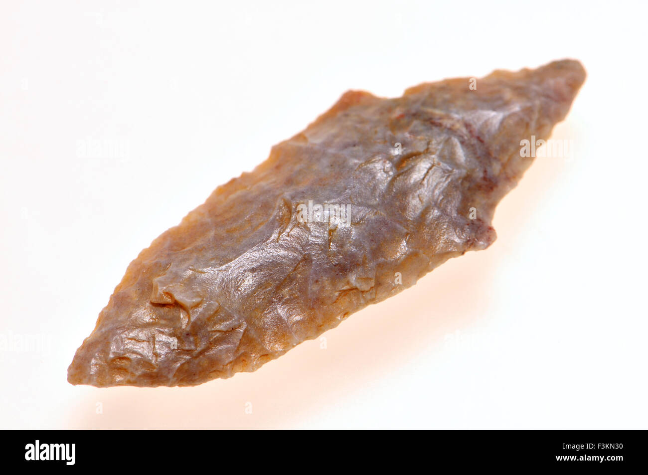 Neolithic flint arrowhead (Saharan Africa, c4000BC) 40mm long - Stock Image