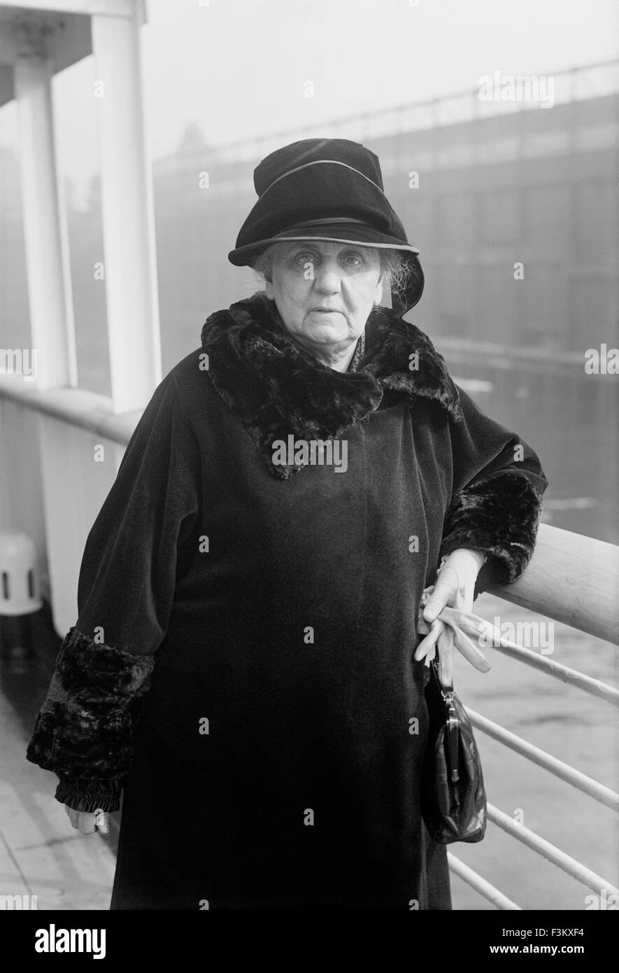 JANE ADDAMS (1860-1935) American reformer about 1925. Photo Bain News Service - Stock Image