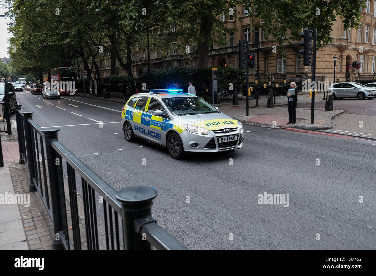A London metropolitan police car on an Emergency call - Stock Image
