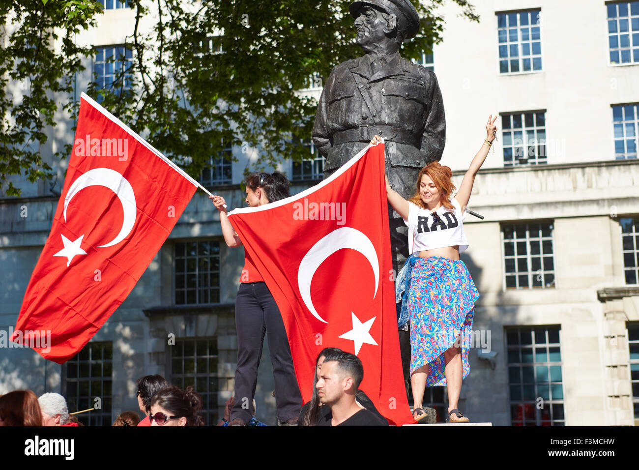 People protest in London against police violence in Turkey - Stock Image