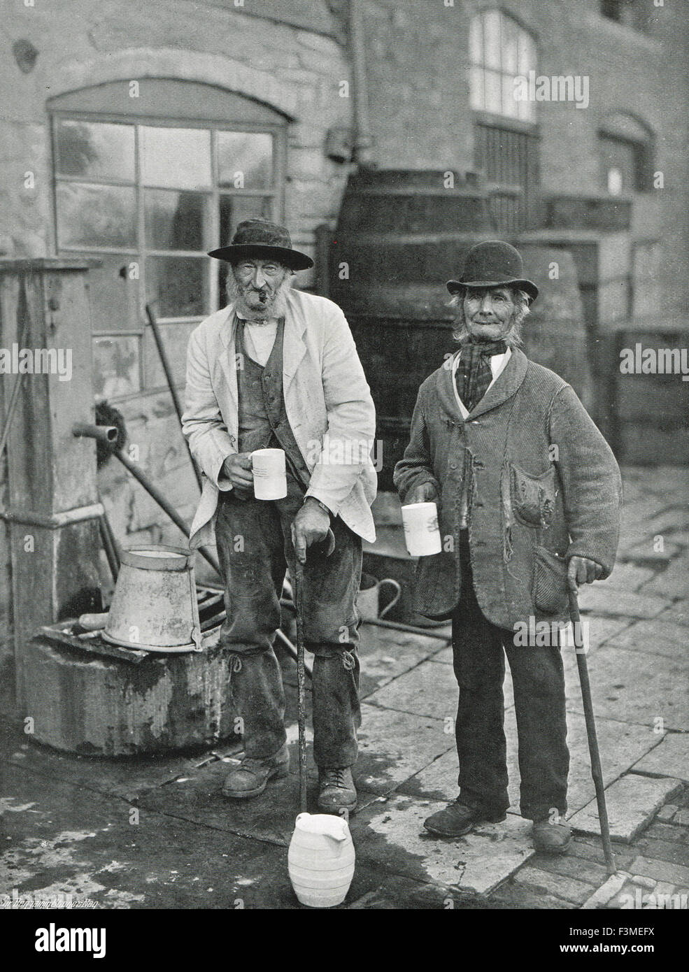 Bidford-on-Avon Mop Fair Sippers & Topers Circa 1906 - Stock Image