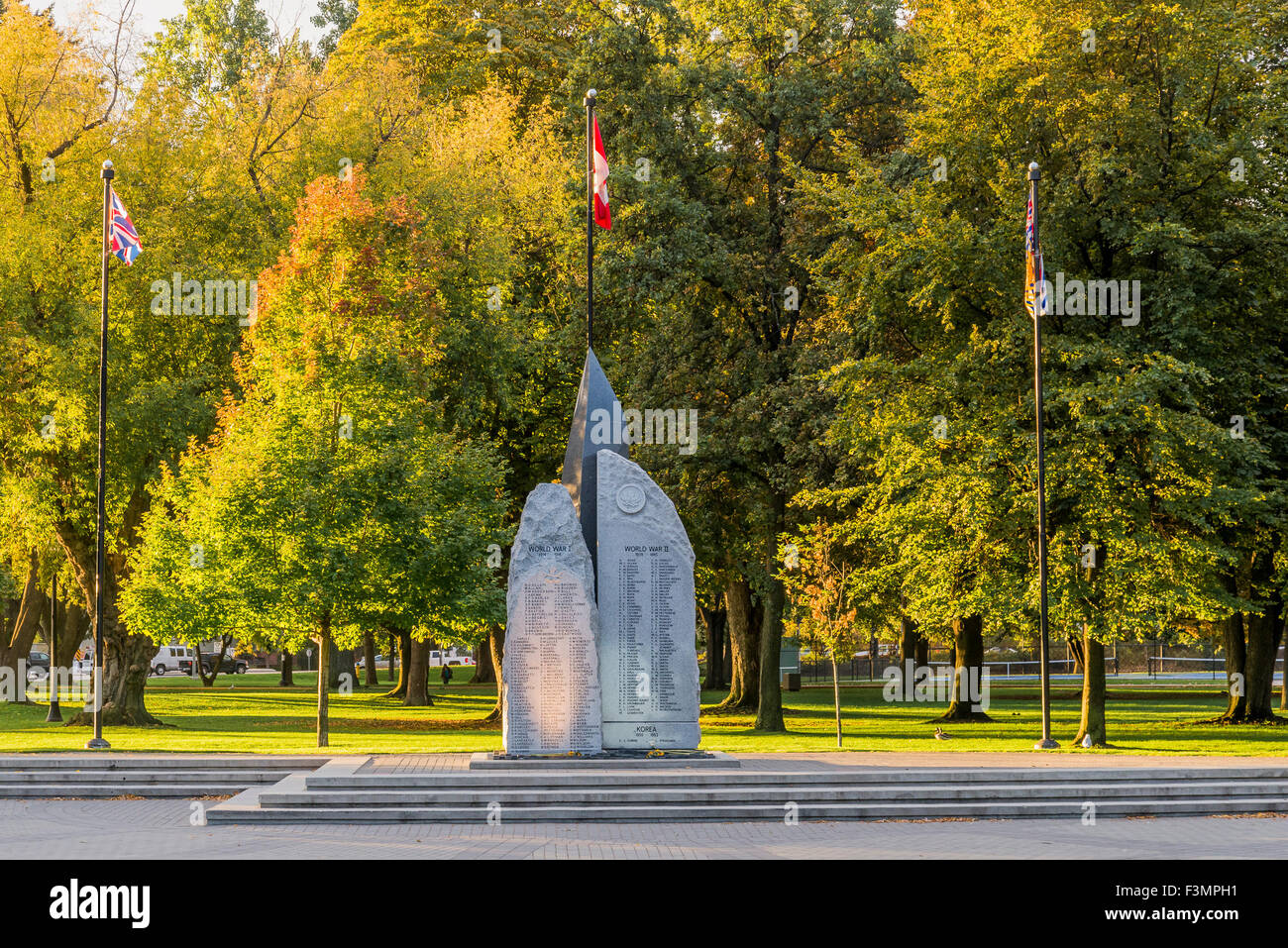 Cenotaph, City Park, Kelowna, Okanagan Valley, British Columbia, Canada - Stock Image