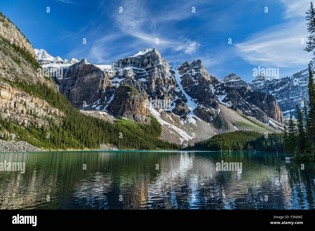 One of the many iconic views of Moraine Lake in Banff. - Stock Image
