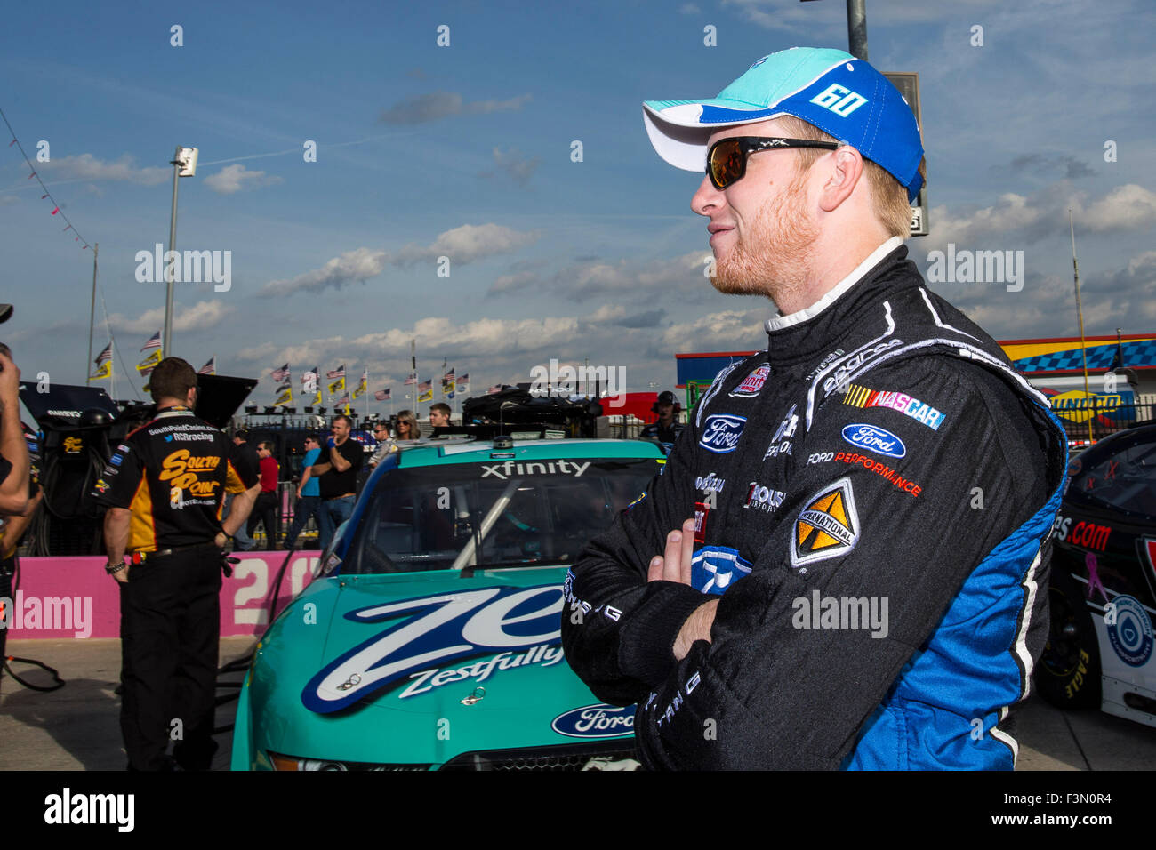 Concord, NC, USA. 9th Oct, 2015. Concord, NC - Oct 09, 2015: The NASCAR Xfinity Series teams take to the track for - Stock Image