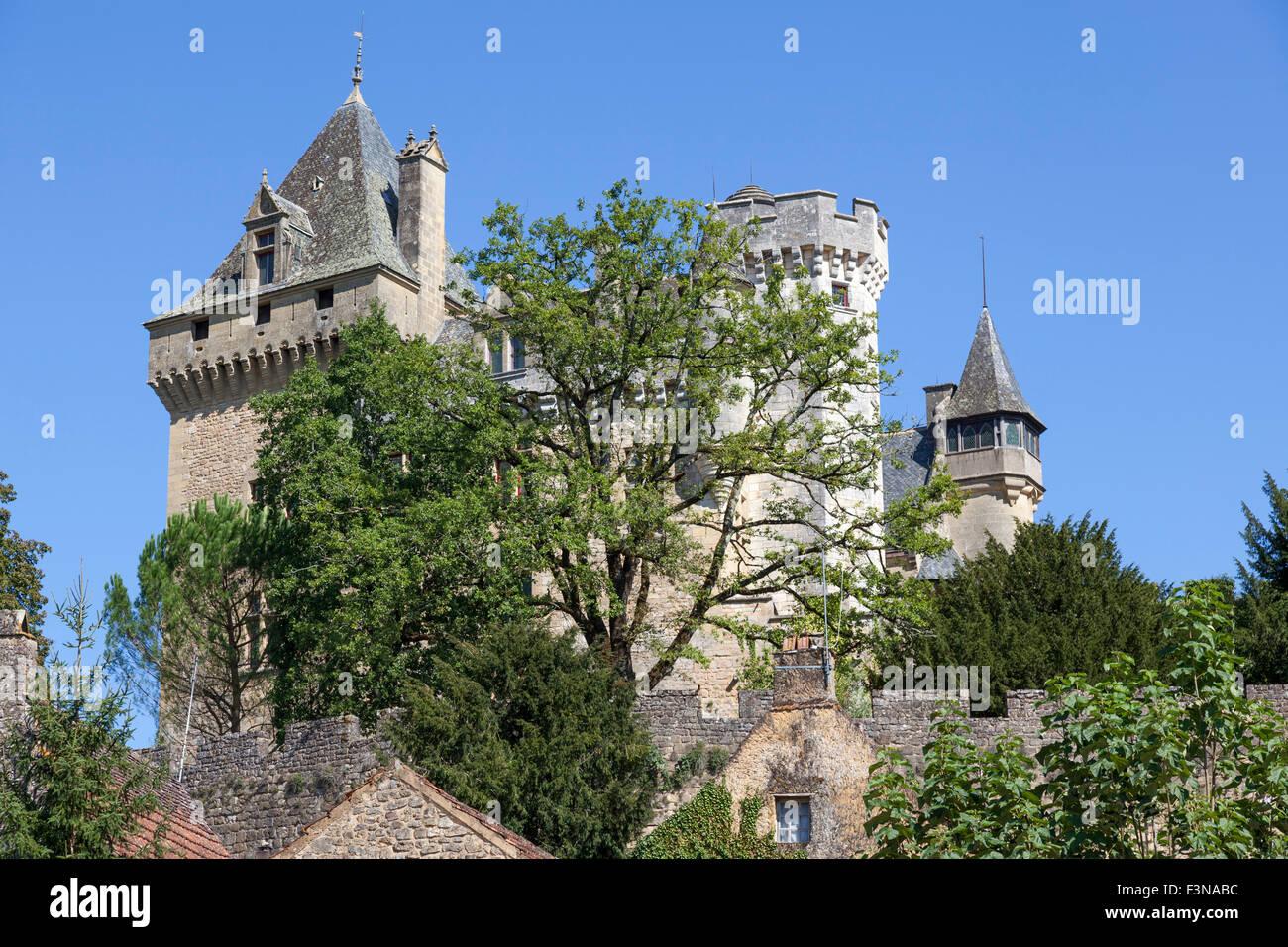 The Montfort stronghold, at Vitrac (Dordogne - France). Le château fortifié de Montfort, à Vitrac - Stock Image