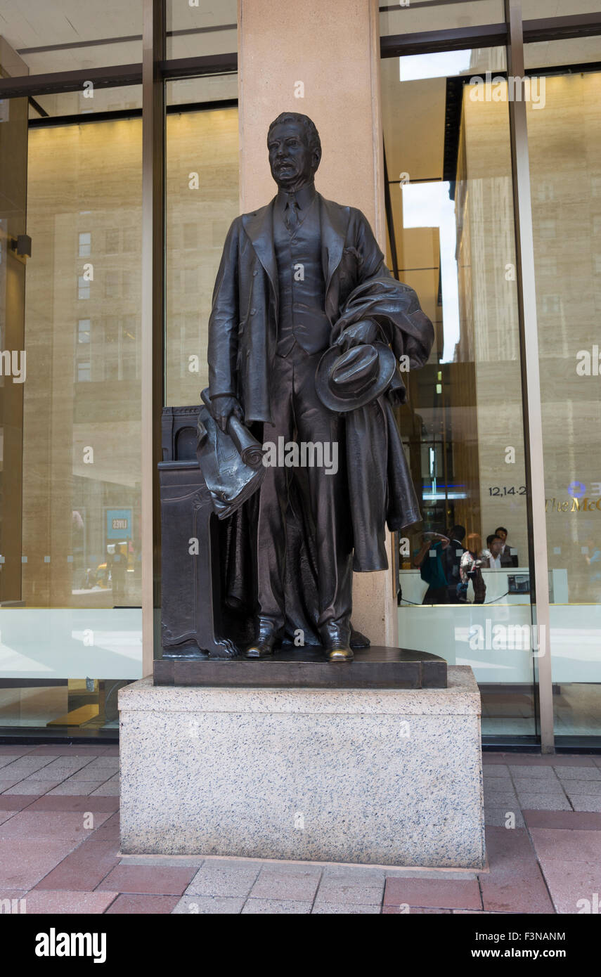 Samuel Rea Statue in front of Madison Square Garden, New York City. - Stock Image