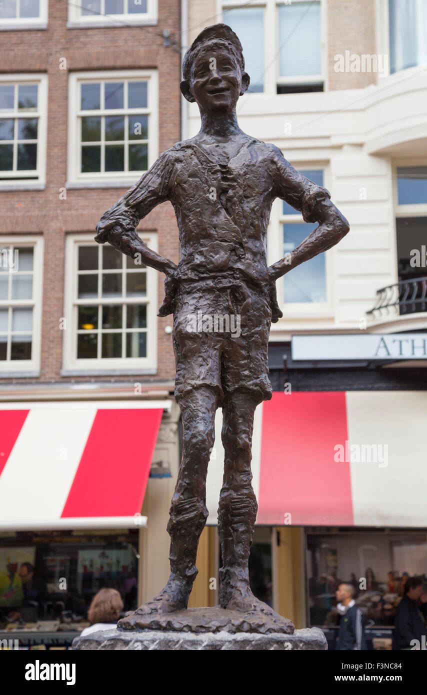 Het Lieverdje (Little Darling) statue in Spui square, Amsterdam, The Netherlands - Stock Image