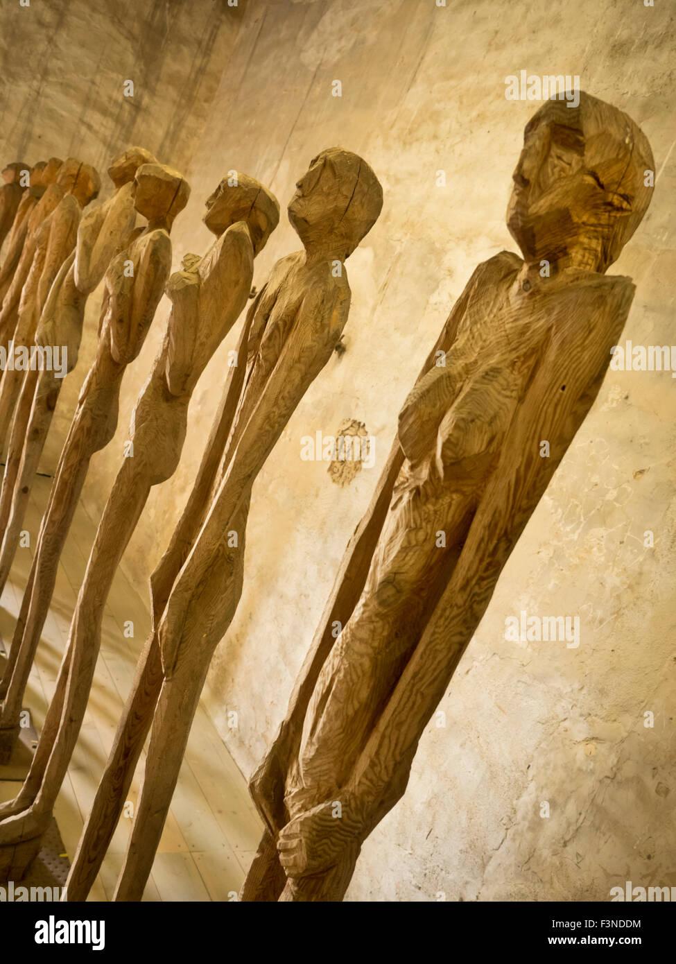 Holzfiguren im Kapitelturm in Tangermünde Stock Photo