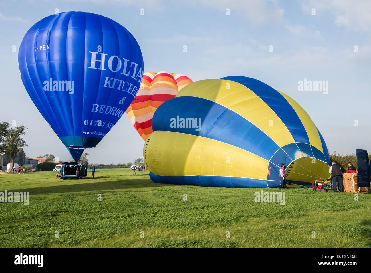 Thornton Dale, North Yorkshire, UK. 10th Oct, 2015. Saturday 10th, October 2015. Pilot Graham Holtam prepares the - Stock Image
