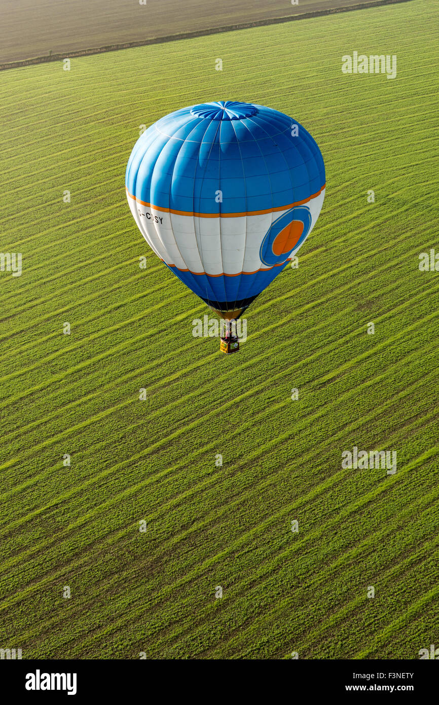 Thornton Dale, North Yorkshire, UK. 10th Oct, 2015. Saturday 10th, October 2015. Balloons flying from High Grundon - Stock Image