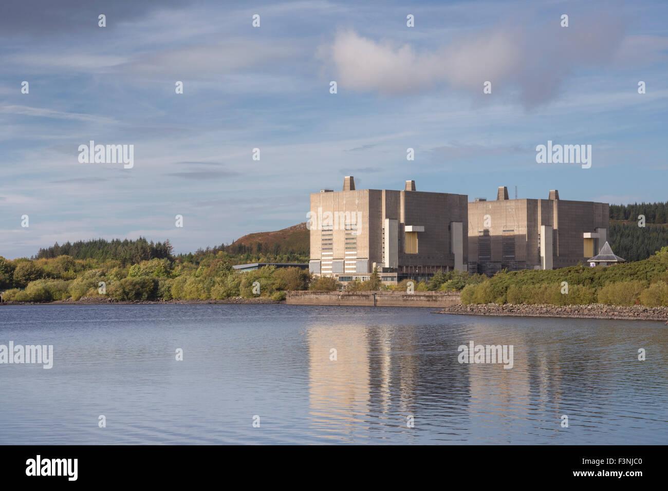 The decommissioned Trawsfynydd Nuclear Power Station, Snowdonia National Park,  Gwynedd, Wales. - Stock Image
