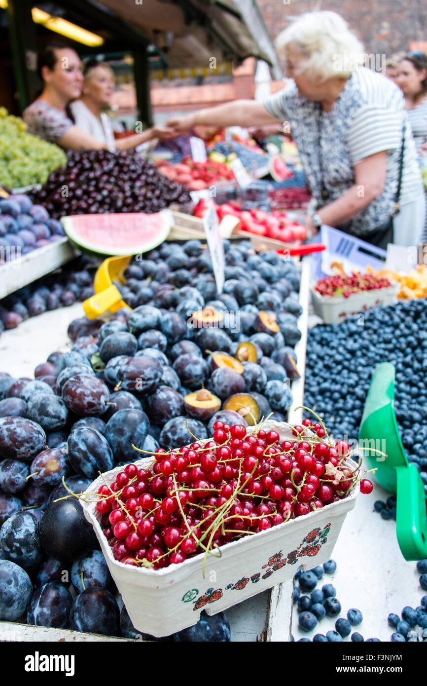 Fresh veg fruit market health healthy Poland stall Stock Photo