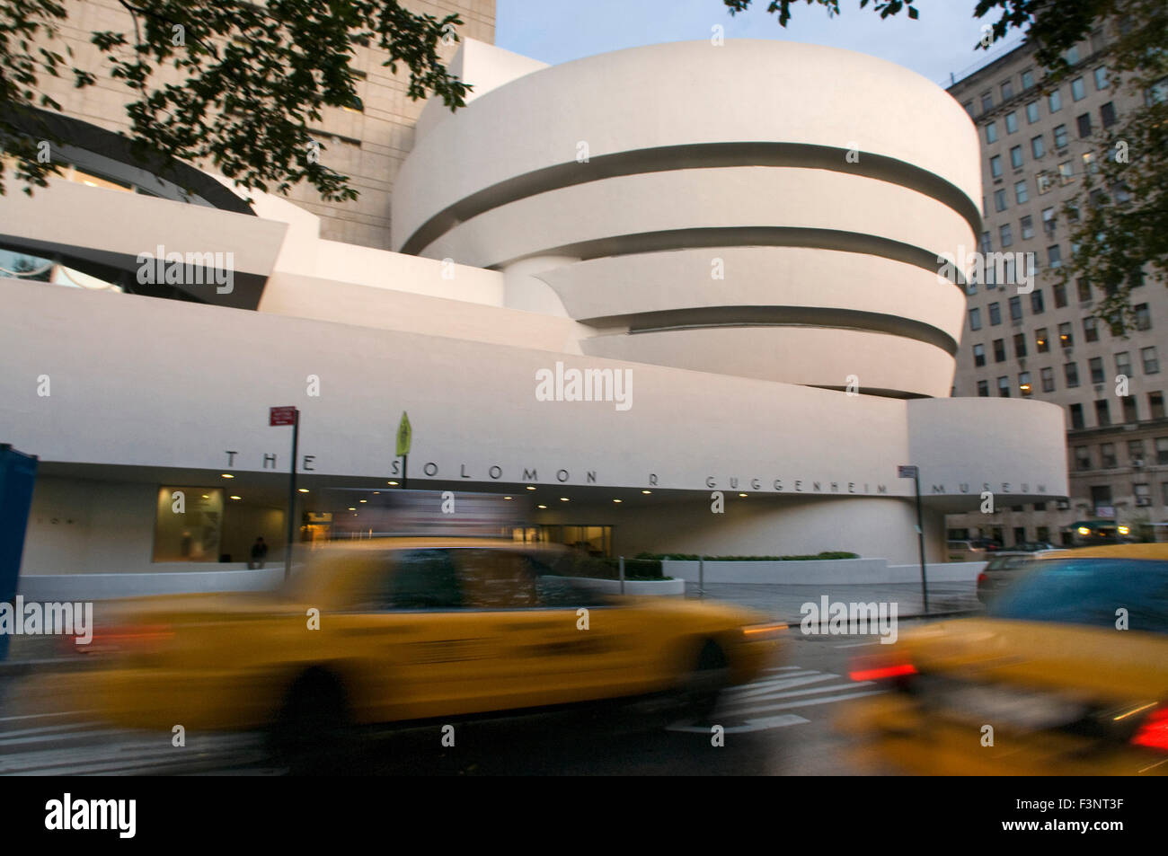 Solomon R. Guggenheim Museum. 1071 Fifth Avenue and 89th Street. Tel 212-423-3500. (Sun-Wed 10am-5: 45pm / Fri 10am - Stock Image