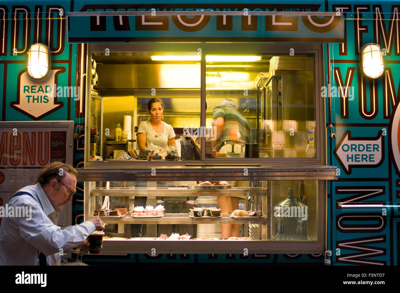 Street Sweets Position Variable This Mobile Van Called Sweer Stock Photo Alamy