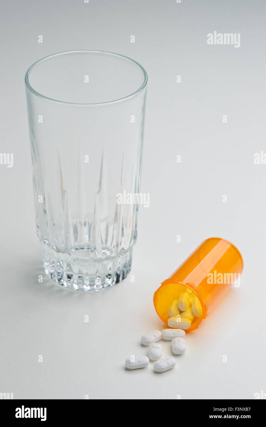 combination of acetaminophen and hydrocodone Hydrocodone/paracetamol Prescription drug Xodol, Lorcet, Vicodin, Co - Stock Image