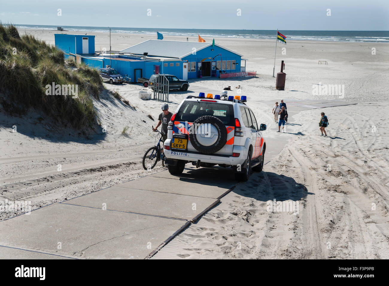 2 July, 2014  Path across the dunes to the Zandzeebar on the beach at Formerum aan Zee. The Zandzee Bar at paal 11 at the Noordz Stock Photo