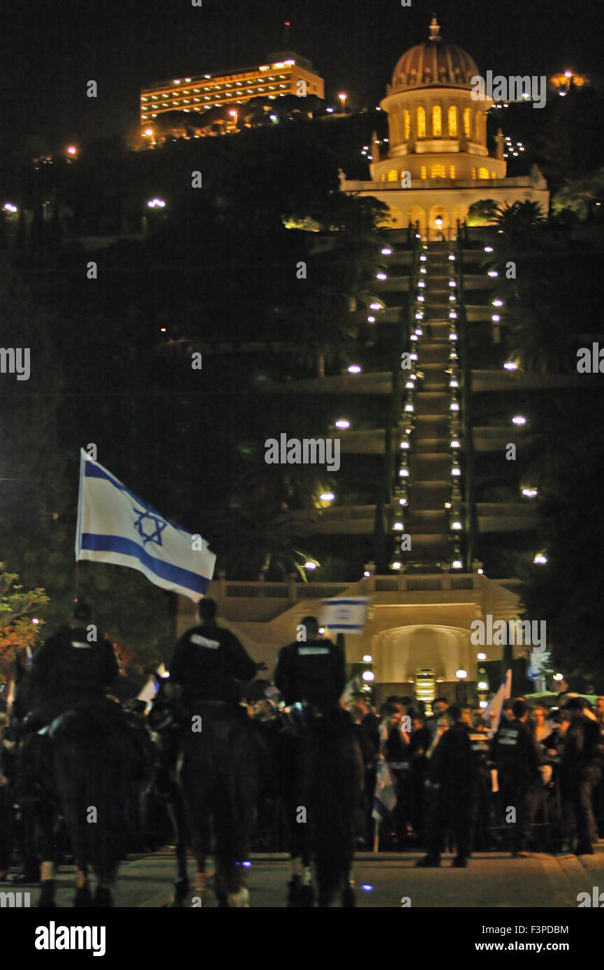 Israeli mounted police at a Pro Palestinian Demonstration in Haifa, Israel that was held on October 10, 2015 protesting - Stock Image