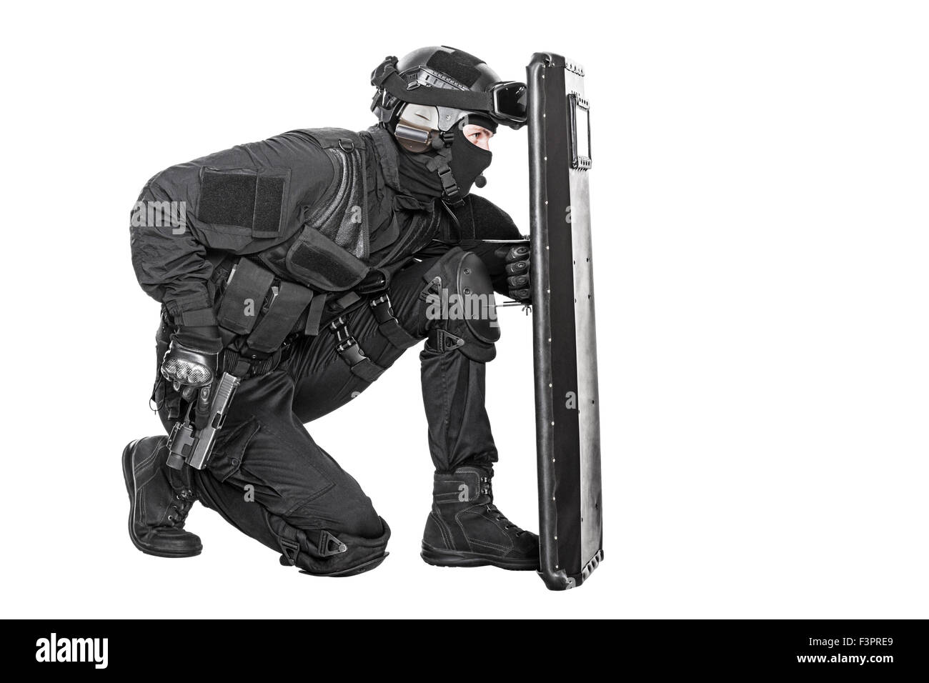 SWAT officer with ballistic shield Stock Photo: 88397185 - Alamy