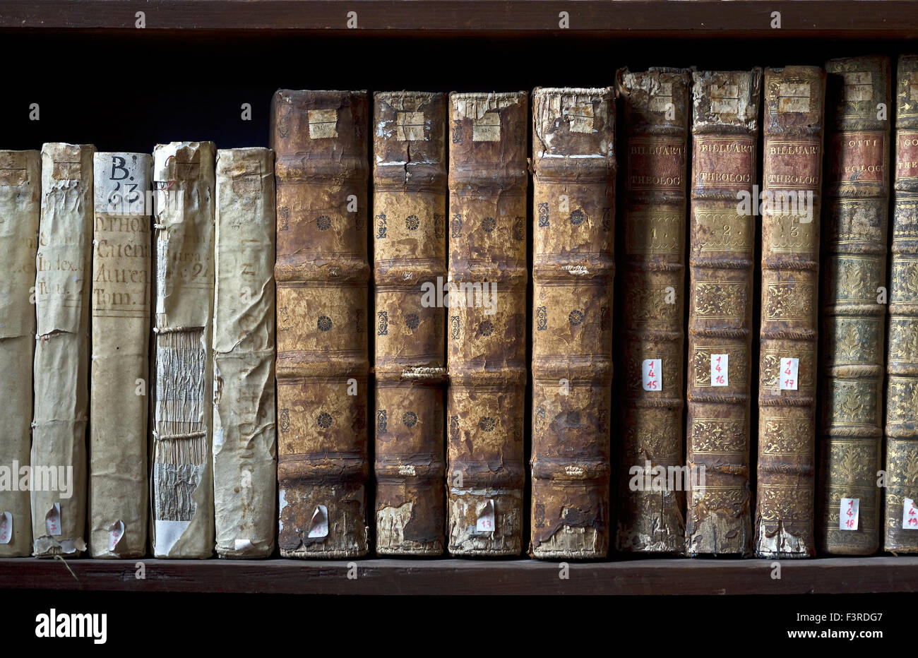 Books in the Ricoleta Library in Arequipa, Peru - Stock Image