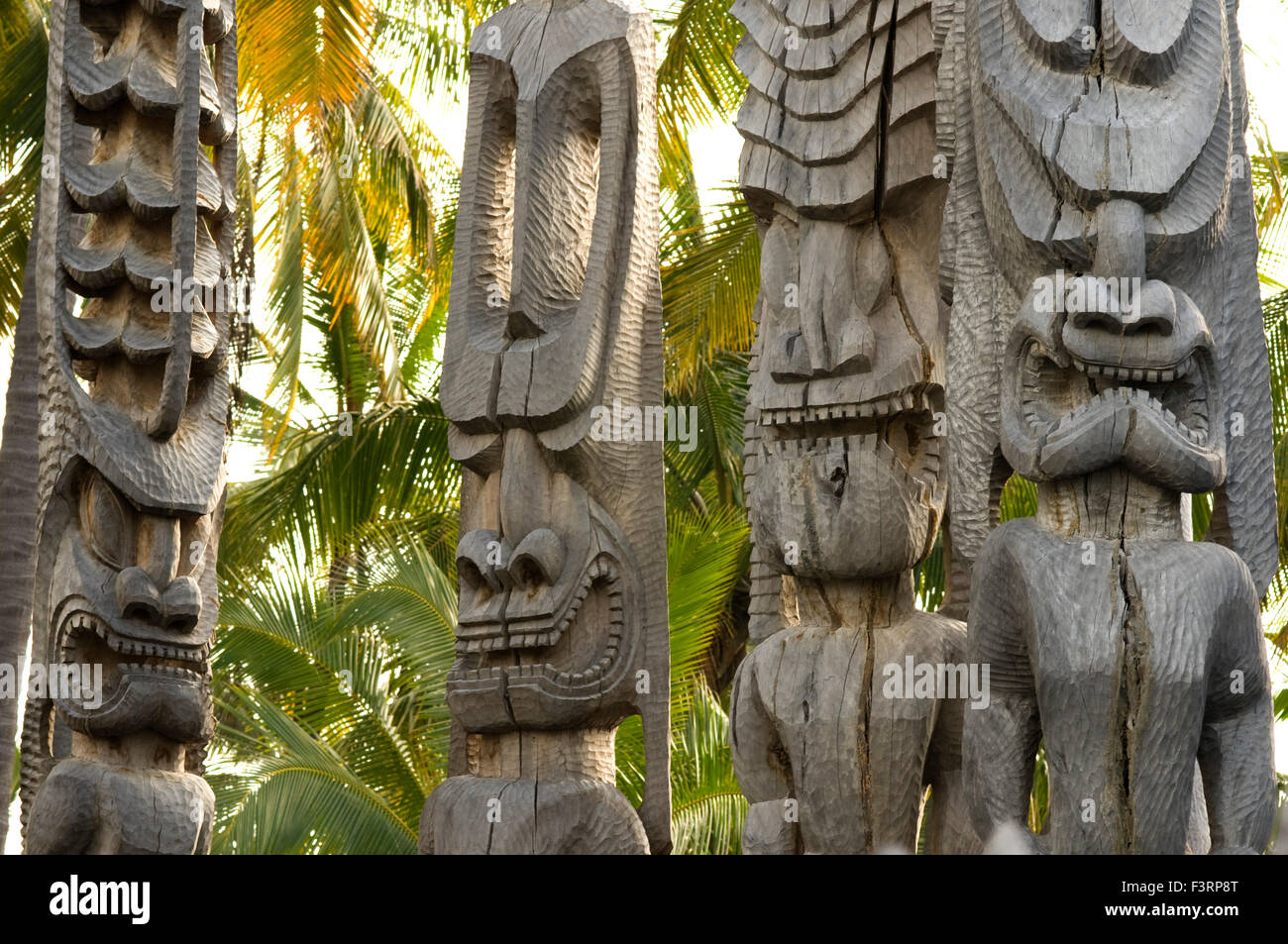 Pu'uhonua O Honaunau National Historic Park, Hale O Keawe reconstructed temple with wood carvings, South Kona Coast, Stock Photo