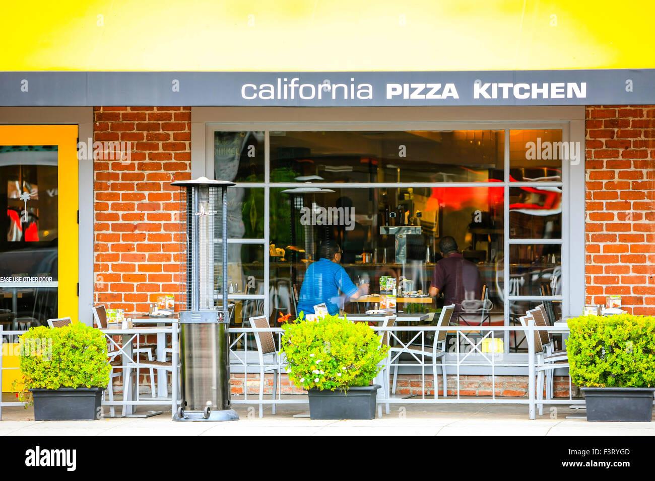 The trendy California Pizza Kitchen restaurant in Beverly Hills ...