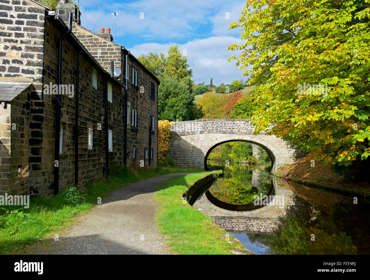 Bridge over the Rochdale Canal at Brearley, Calderdale, West Yorkshire, England UK - Stock Image