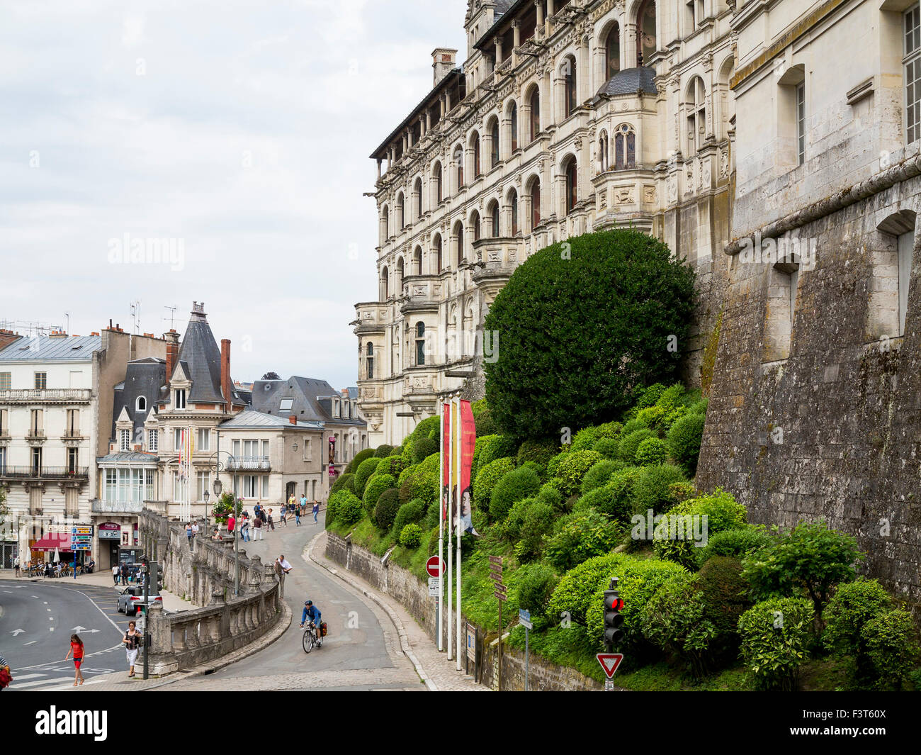 The architecture of the town centre of  the Loire Valley town of Blois and Chateau de Blois - Stock Image