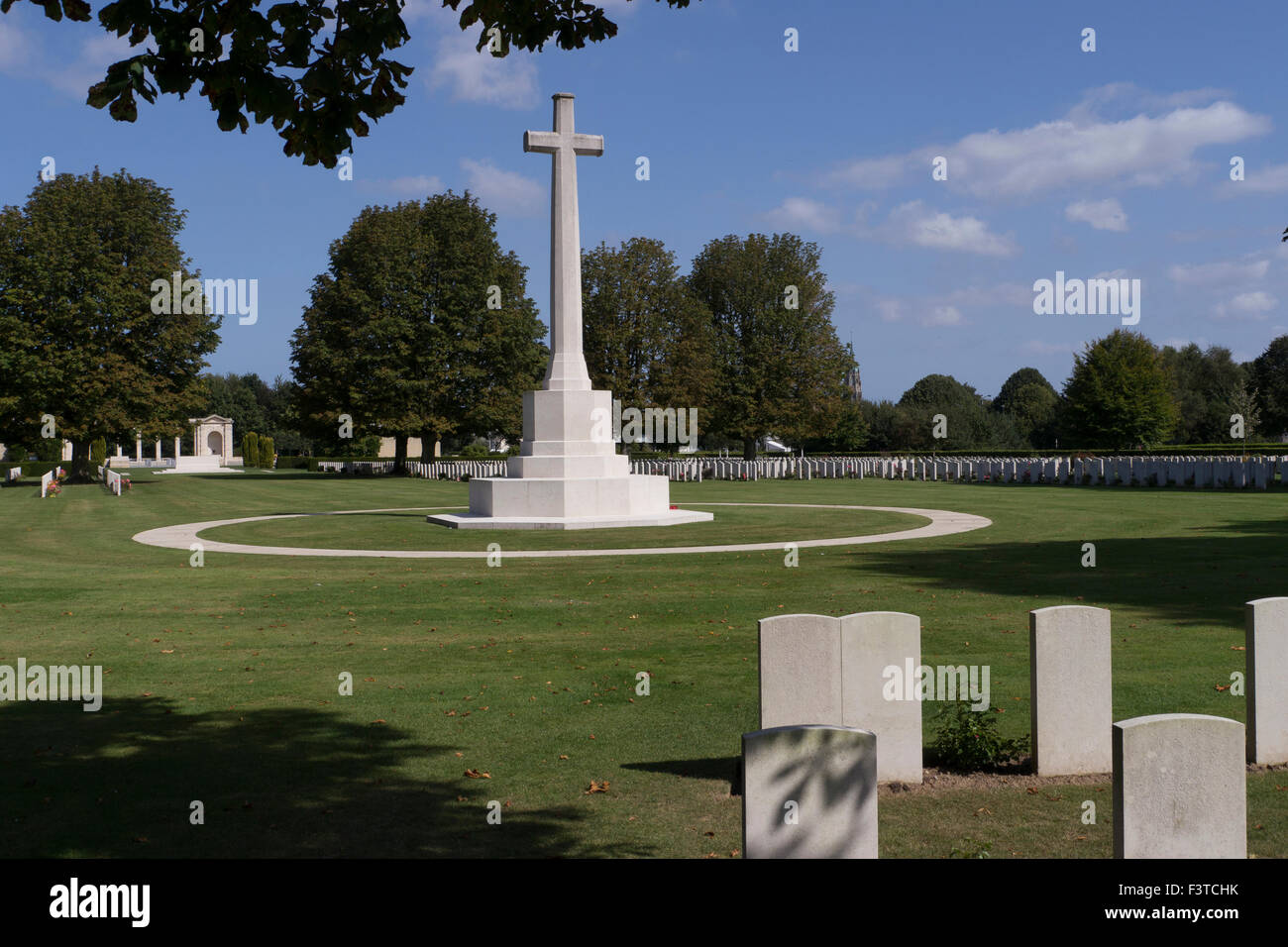 Memorial Cross.Bayeux War Cemetery is the largest Commonwealth cemetery of the Second World War in France - Stock Image