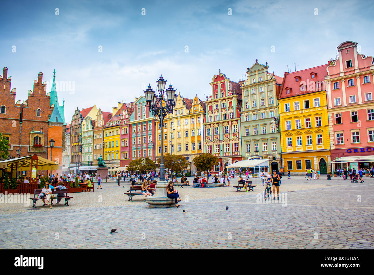 Beautiful historical tenement houses at Old Market Square in the Old Town in Wroclaw, Poland, Europe - Stock Image