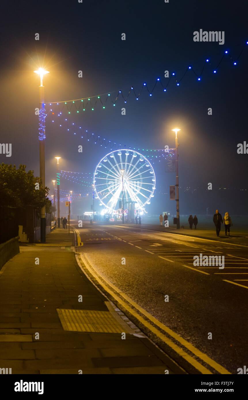 Photograph of Sunderland Illuminations 2015 Along Whitburn Road (A183) Showing the Vue Big Wheel and Street Illuminations Stock Photo