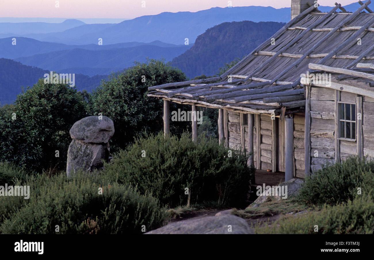 CRAIG'S HUT MT STIRLING, VICTORIAN HIGH COUNTRY, WAS BUILT FOR THE MOVIE 'THE MAN FROM SNOWY RIVER'. - Stock Image