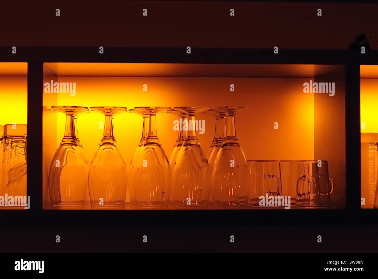 Erstaunlich Vitrine Glas Sammlung Von Glasses - Stock Image