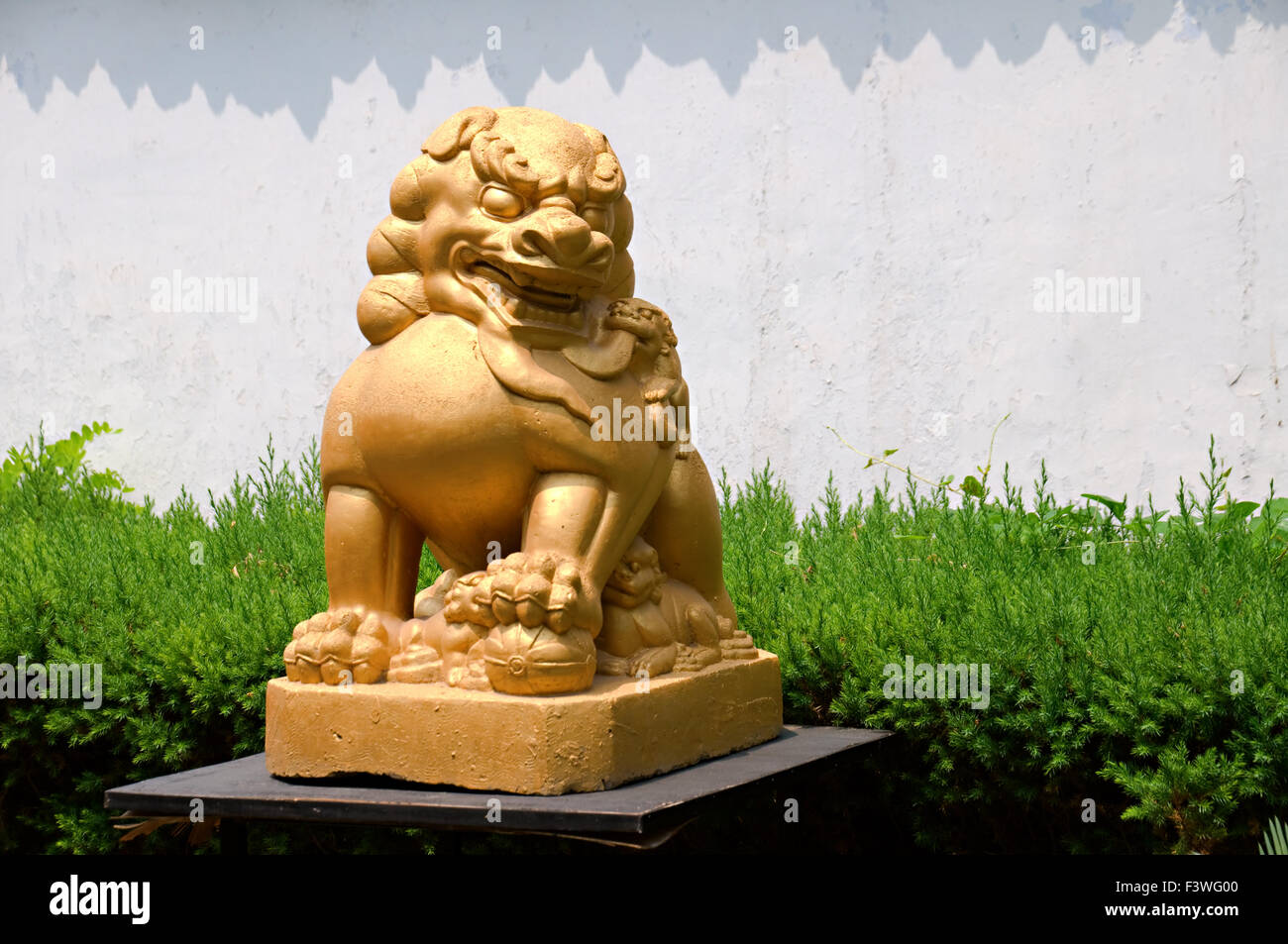 Chinese Stone Statue Dragon Stock Photos & Chinese Stone ...