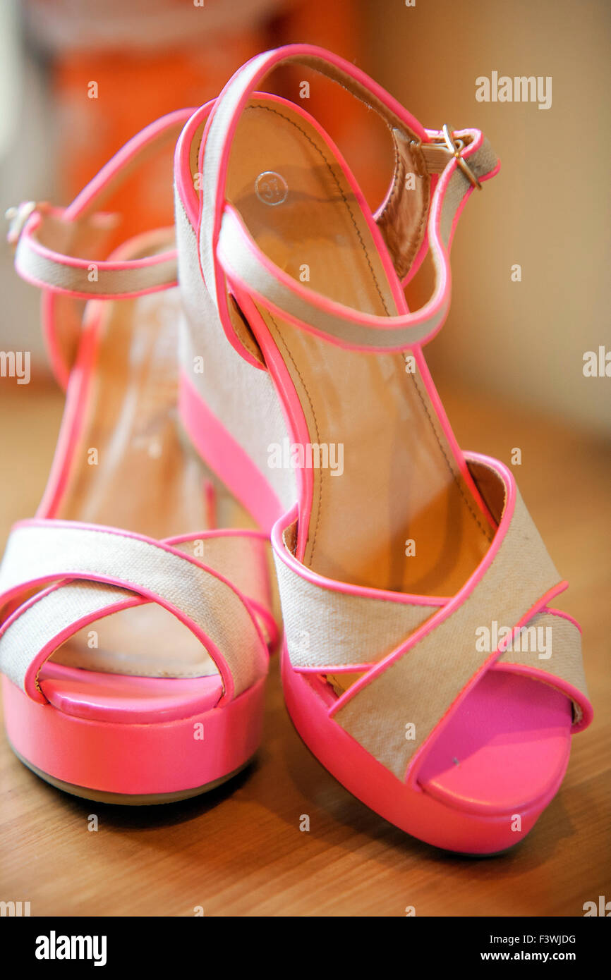 c05c30f7fe08 Cerise Shoes Stock Photos   Cerise Shoes Stock Images - Alamy